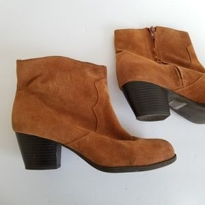 Lucky brand size 9.5 leather booties